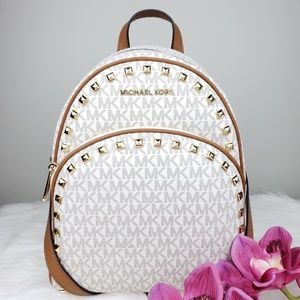 🌺NWT Michael Kors Abbey studded backpack Vanilla